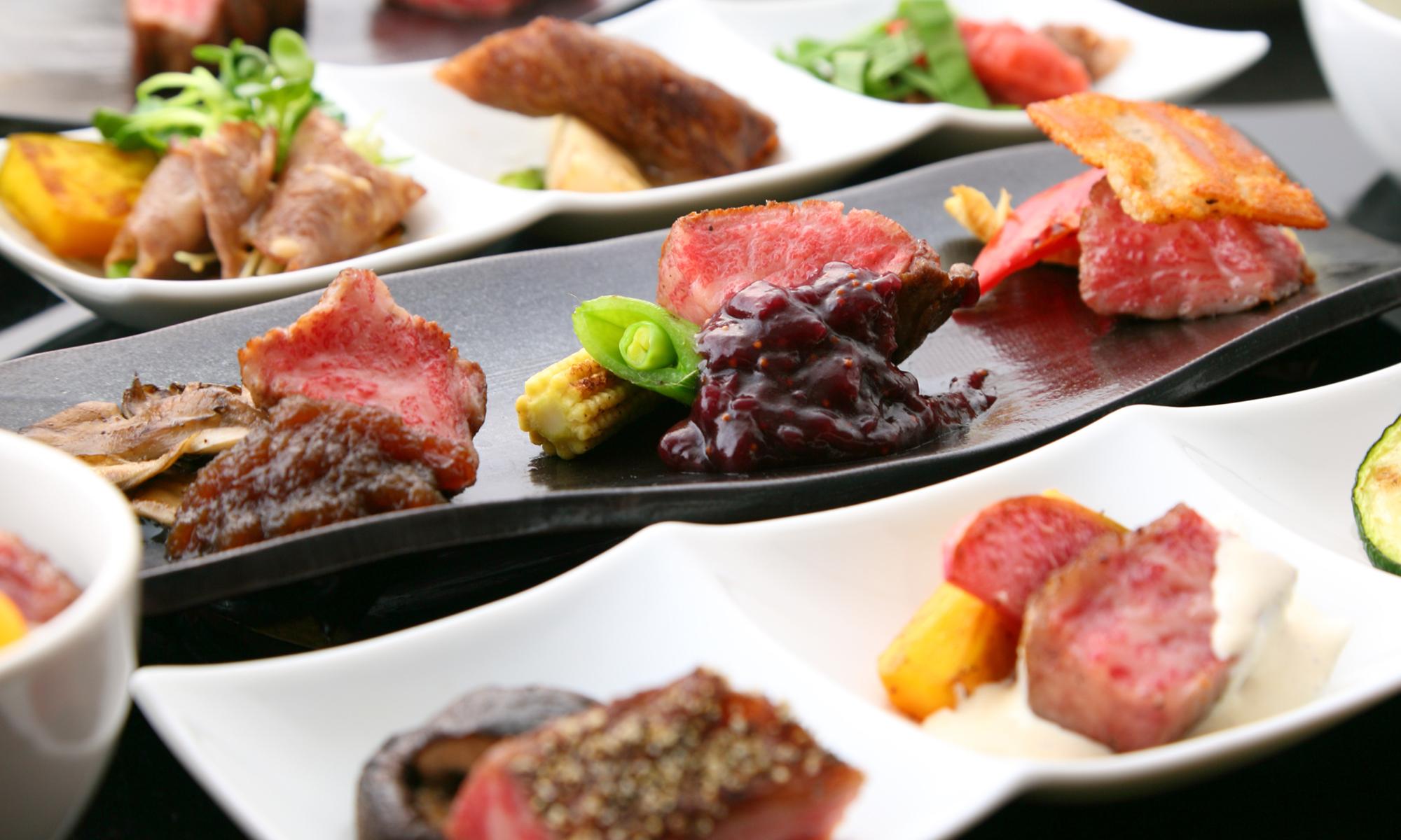 目で楽しみ舌で納得する繊細なコース料理
